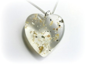 Resin pendant from Shpangle